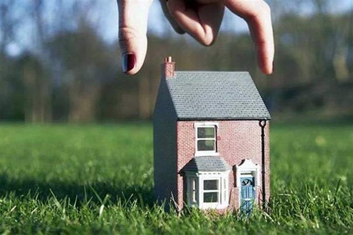Дом и рука