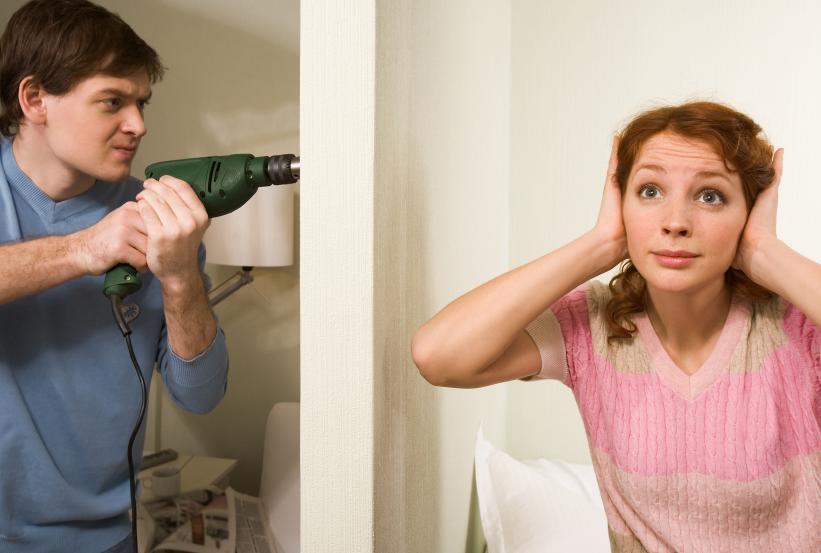 До скольки можно шуметь в квартире?