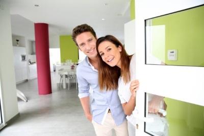 Пара в новой квартире