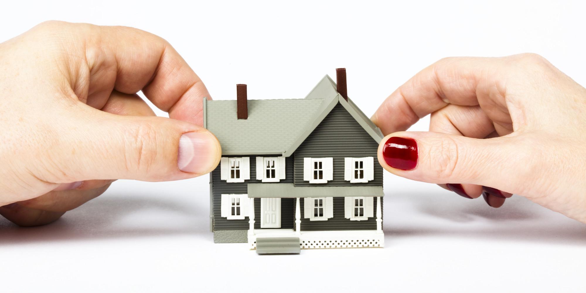 Руки и дом