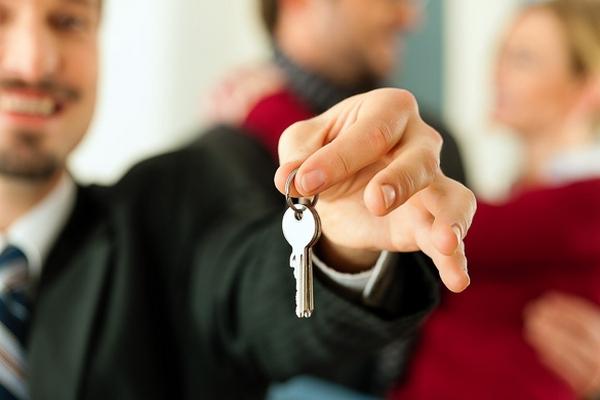 Как сдать квартиру в аренду официально и правильно?