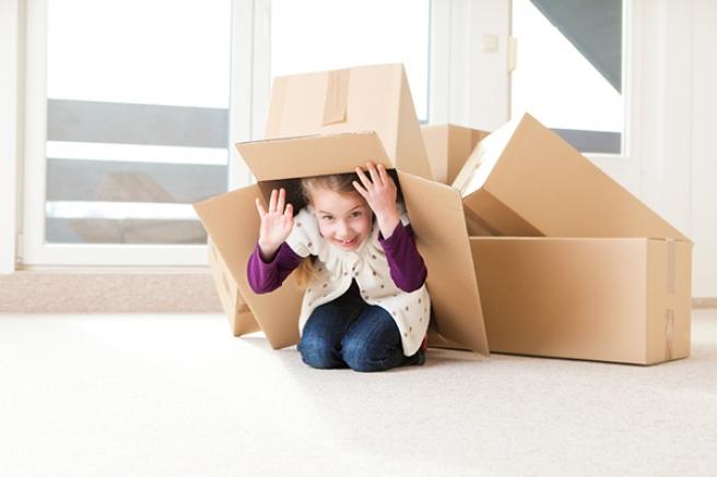 Девочка в коробке