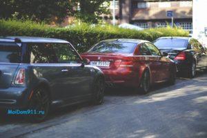 парковка машин на придомовой территории