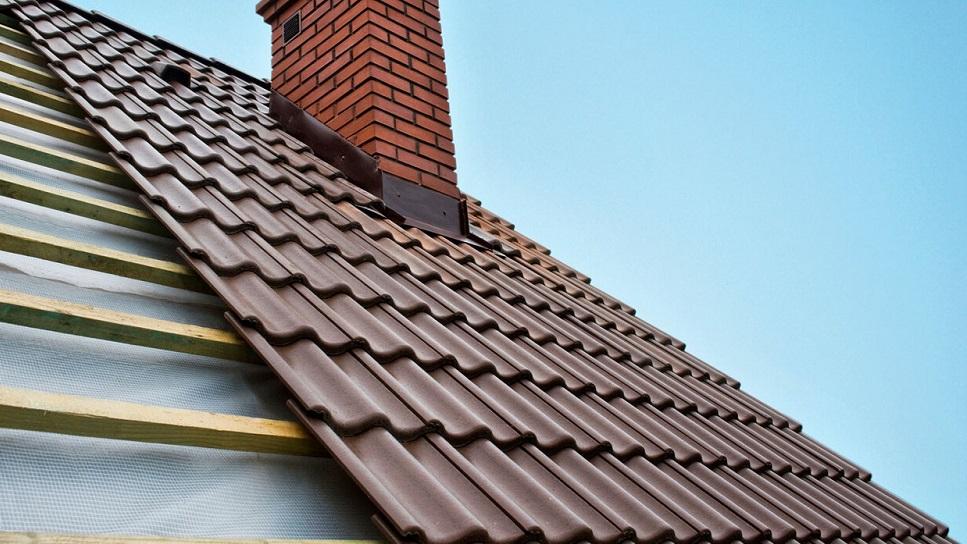 какая должна быть металлочерепица для крыши дома